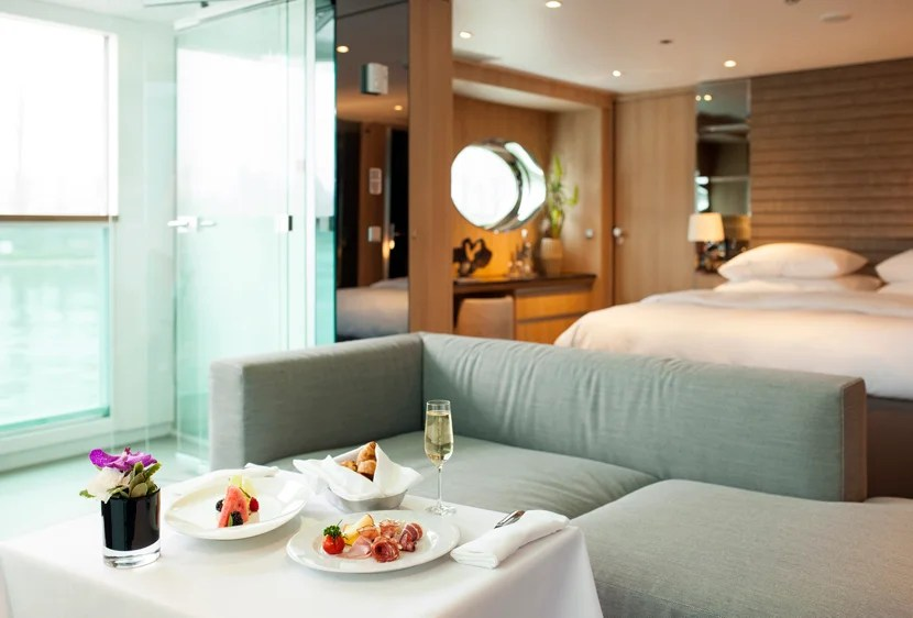 Scenic Jasper Royal Panorama Suite