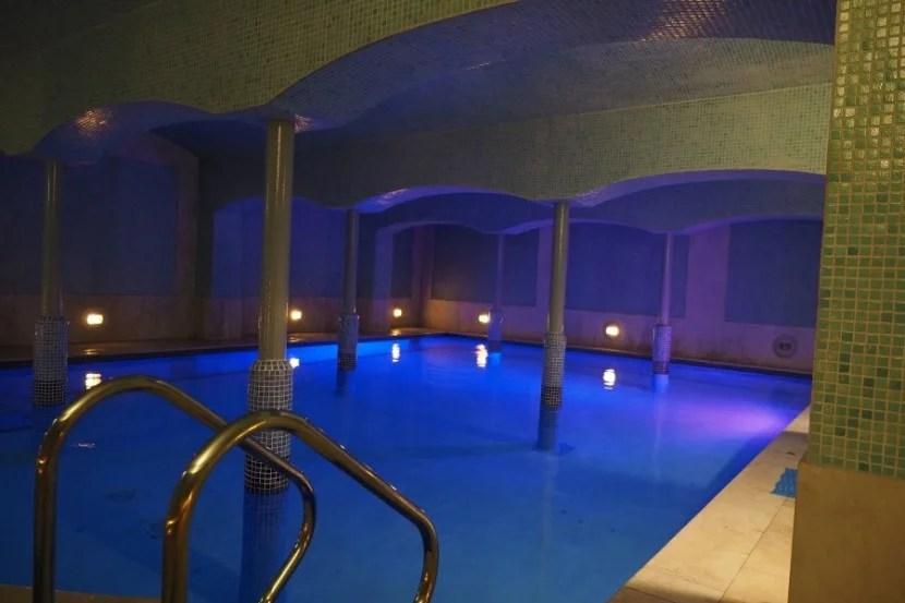 Underground pool... or Madrid's hottest new club?