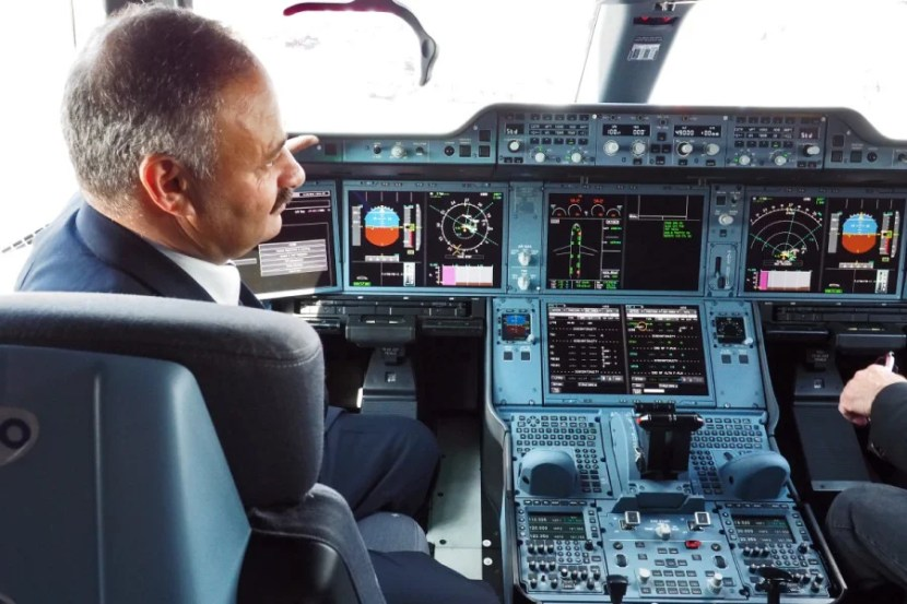 If photography is really a threat to aircraft security, would Qatar have allowed photos of the cockpit?