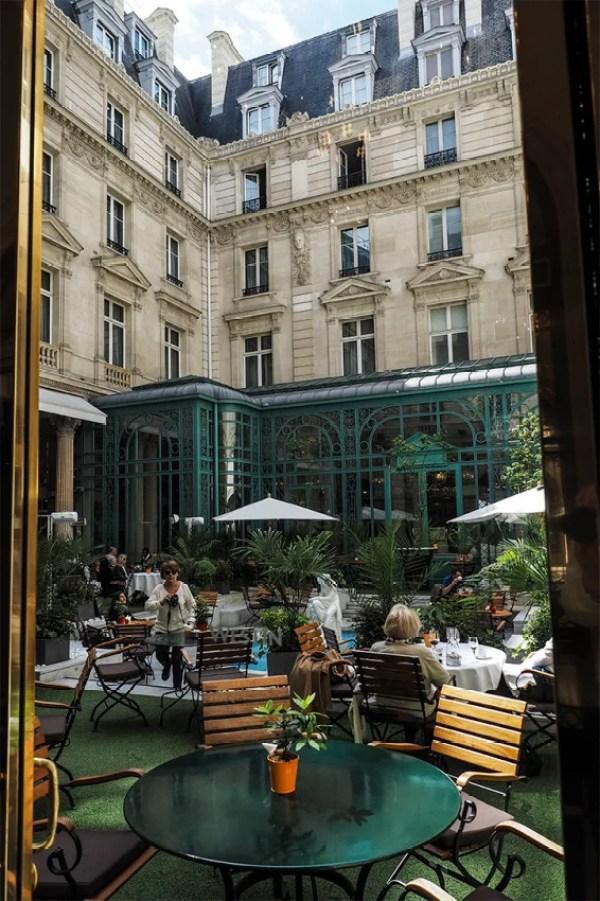 I enjoyed lunch at le First in the lovely inner courtyard of the Westin Paris - Vendôme.