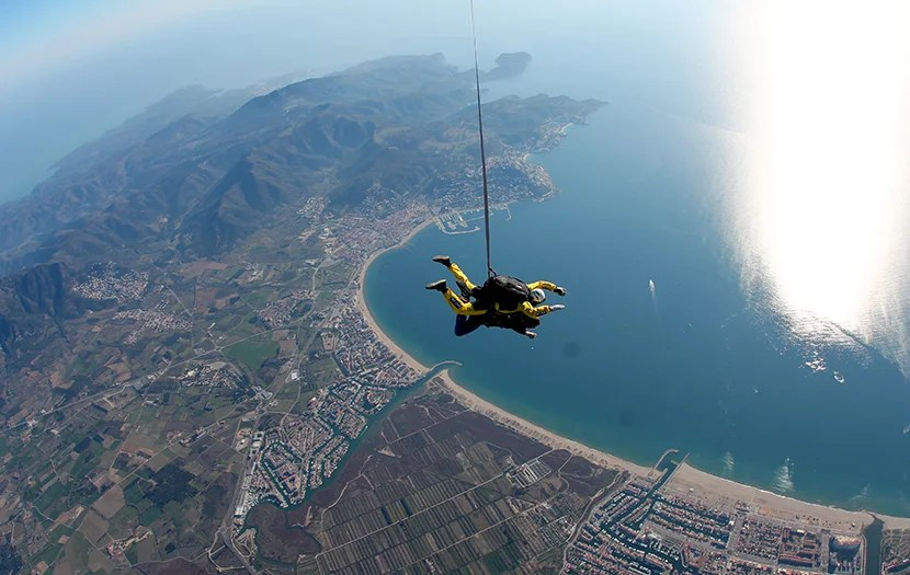 skydiving costa brava spain