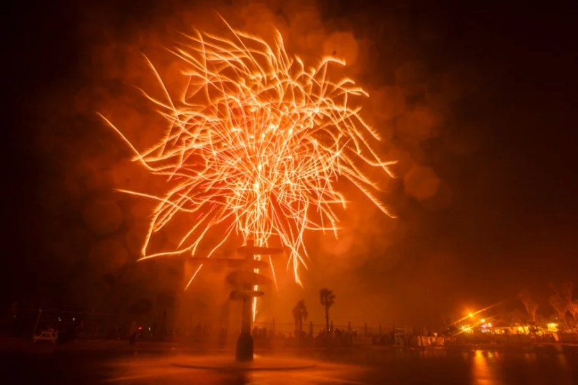 Fireworks over Seaside Lagoon on Friday, July 4, 2008 in Redondo Beach, Calif. © 2015 Patrick T. Fallon - All Rights Reserved, No Use Without Permission