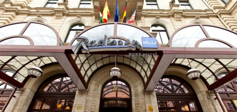 The historic facade of the Radisson Blu Beke Hotel in Budapest