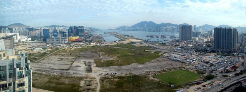 Hong Kong's Kai Tak Airport was eventually closed because it had nowhere to expand. Photo credit: WiNG.