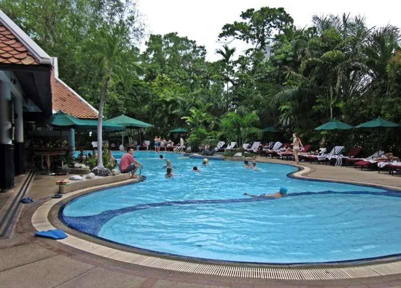 This pool was perfect for families and children, shallow with lots of shaded area