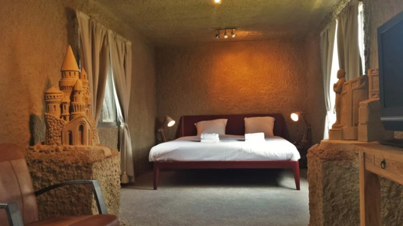 A one-room suite at the Sneek Zand Hotel