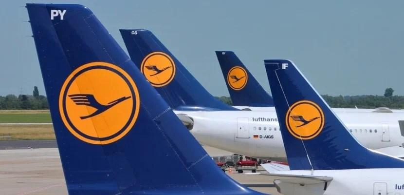 Lufthansa planes shutterstock_158649179