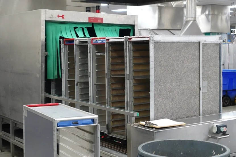 Did you know United washes its food carts every time they come in?