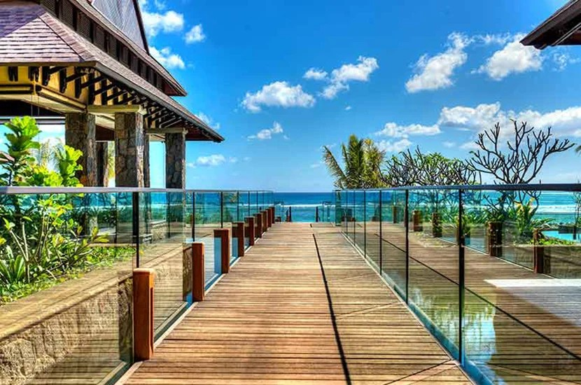 Use your winnings to stay at the Westin Turtle Bay in Mauritius, a Category 4 property, for 10,000 Starpoints per night.