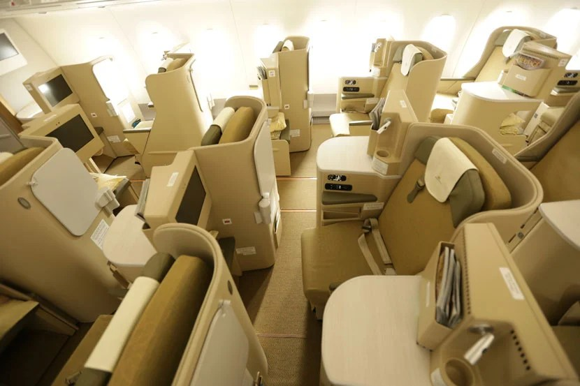 A peek at the business-class seats on Vietnam Airlines' A350.