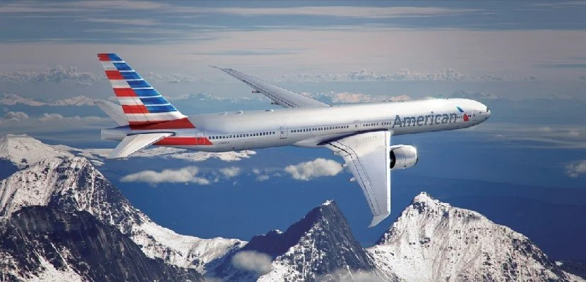 American-Airlines-plane-over-mountains-featured