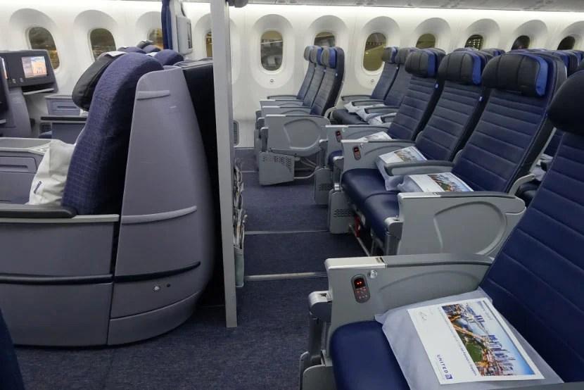 united 787-9 inaugural dreamliner