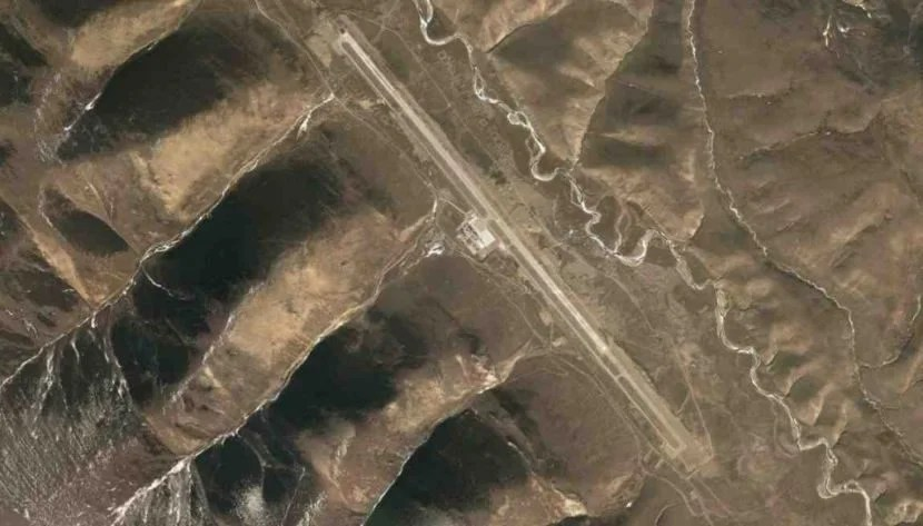Satellite Imagery of Qamdo Bamda Airport (BPX) in Tibet, China, courtesy of Google.