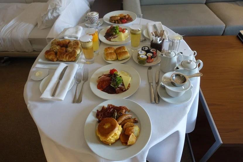Belgrade-Room-Service2
