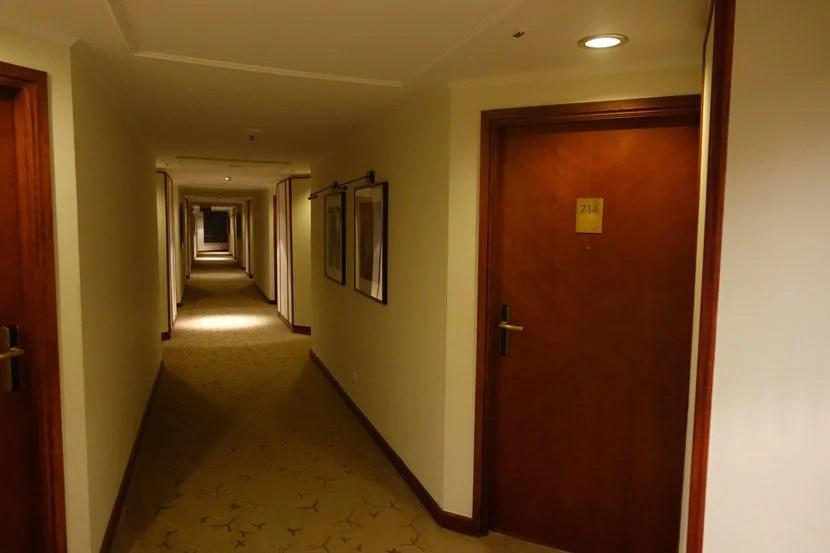 Belgrade-Room-hallways