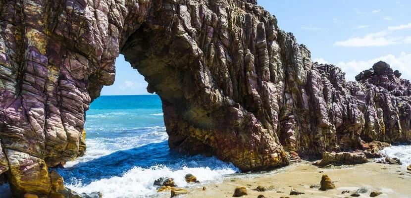 Close da Pedra furada, Jericoacoara, Ceara, Brazil. Image courtesy of Shutterstock.