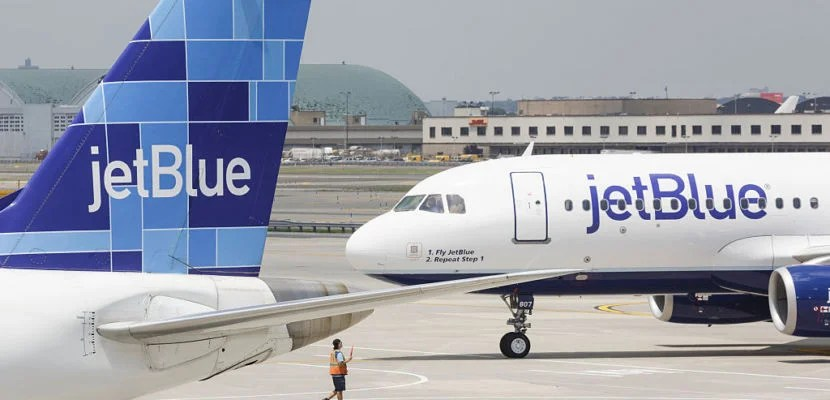 jetBlue airplanes on the tarmac at JFK (John F Kennedy) Airport in New York. (Photo by James Leynse/Corbis via Getty Images)