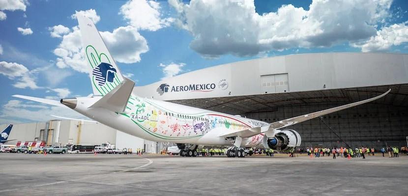 AeroMexico's new 787-9 Dreamliner.