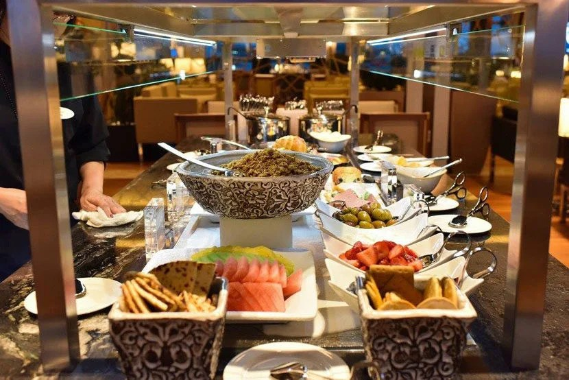 "The Lounge's impressive food and drink buffet features a number of Turkish delicacies. Image courtesy of Turkish Airlines Lounge's <a href=""https://www.facebook.com/TurkishLoungeIAD/photos"" target=""_blank"">Facebook page</a>."