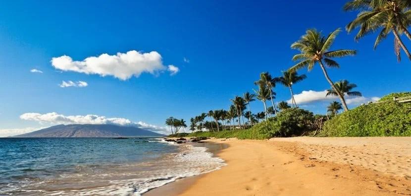 Beautiful sunny day at a beach in Wailea, Maui, Hawaii.