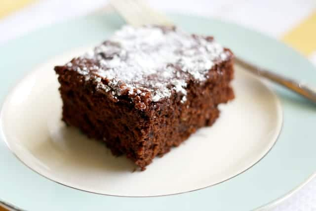 This gluten free and vegan chocolate cake is SO EASY! Just one bowl, simple ingredients, and about 35 minutes until you have a delicious chocolate cake.
