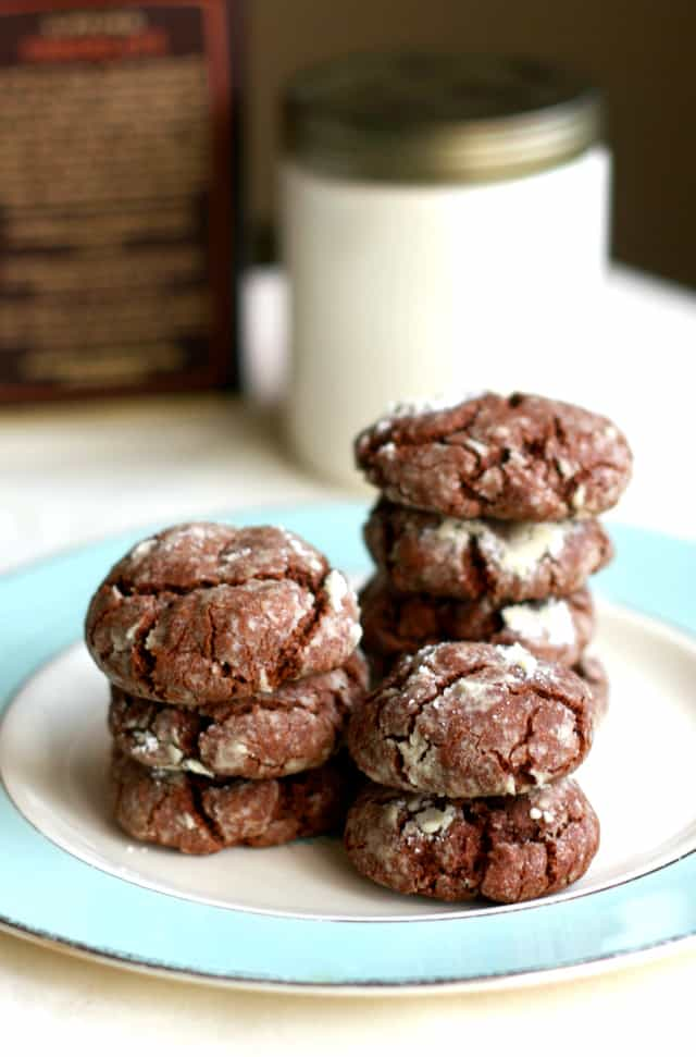 A favorite cookie recipe - chocolate crinkle cookies made gluten free and vegan! Such a delicious holiday treat.