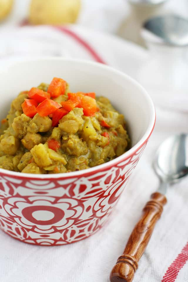 An easy vegan curry recipe that's free of the top 8 allergens! #curry #glutenfree