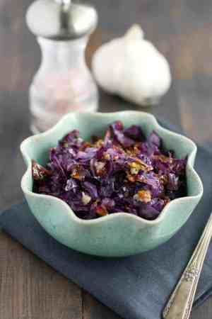Garlicky roasted red cabbage on a bed of red quinoa - a simple and tasty #vegan lunch!