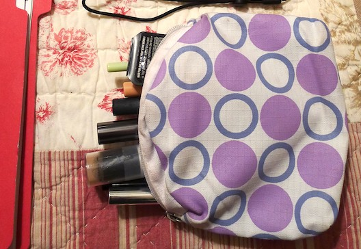 What's in my makeup bag?, What's in my bag?