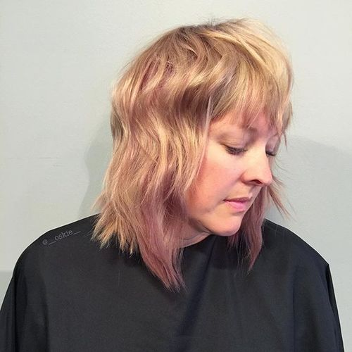 blonde layered haircut for medium hair