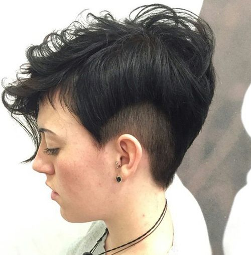 women short tousled hairstyle