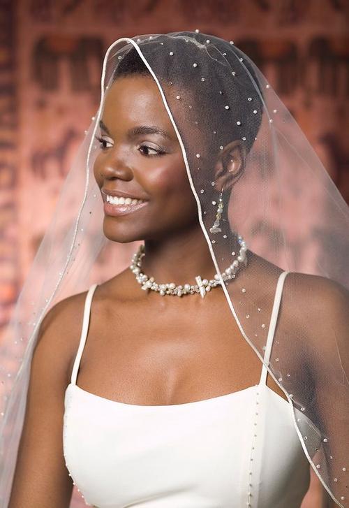 short natural hair with bridal veil
