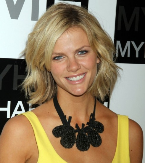 Brooklyn Decker medium shag haircut