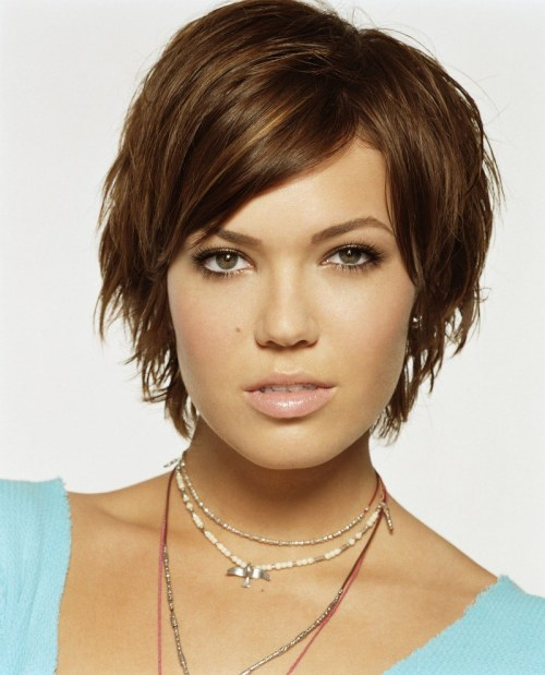 mandy moore cute short hairstyle