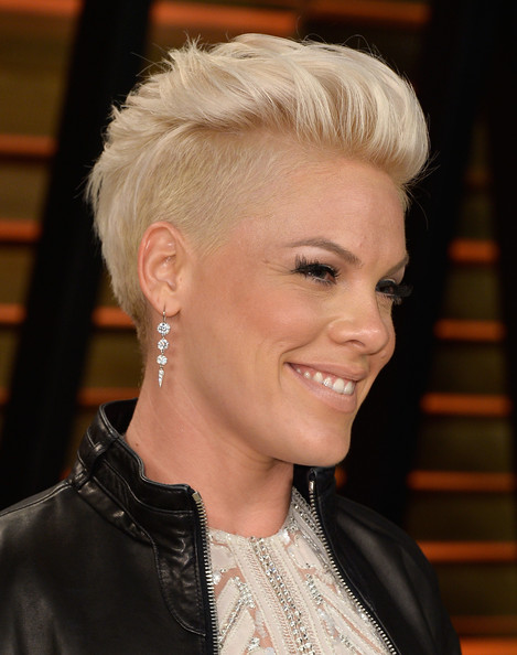 Pink short hairstyle for fine hair