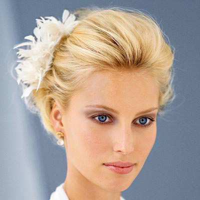 short wedding hairstyle with hair flowers
