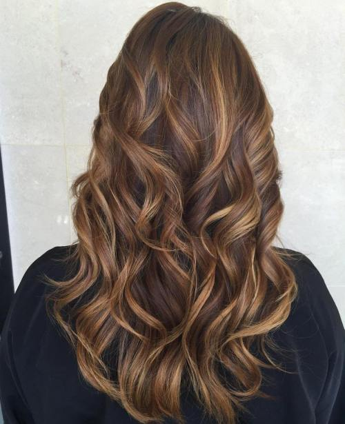 Hairstyles For Long Hair With Highlights : 60 Looks with Caramel Highlights on Brown and Dark Brown Hair