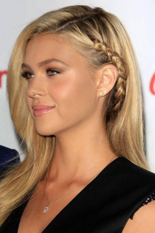 Subtle Blonde Highlights Short Hair Blonde Hair With Subtle
