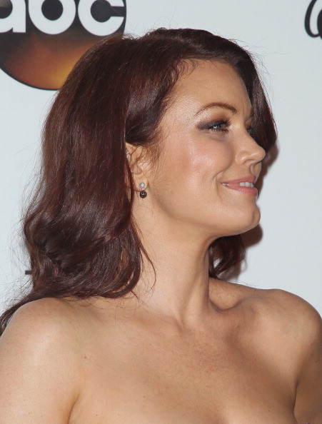 Bellamy Young burgundy hair color