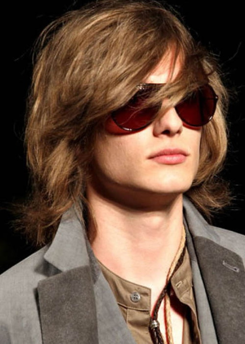 men's long hairstyle with side bangs