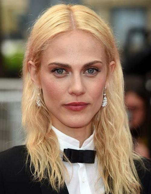Amelie Valade medium hairstyle for fine hair
