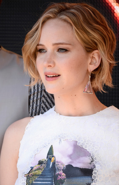 Jennifer Lawrence wavy bob