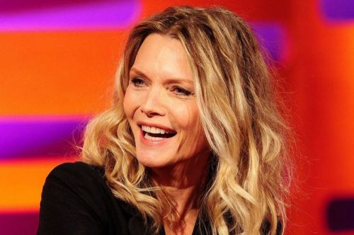 Michelle Pfeiffer toussled wavy hairstyle