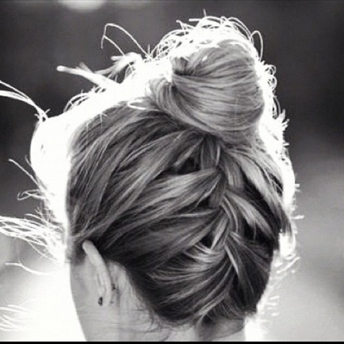 how to make a bun with long thin hair