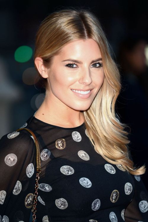 Mollie King side downdo for fine hair