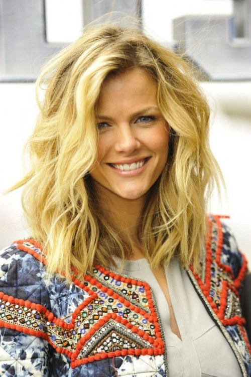 Hairstyle pic 55 most magnetizing hairstyles for thick wavy hair long messy wavy bob for thick hair urmus