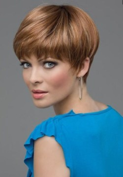 Short Classy Hairstyle for Thick Hair