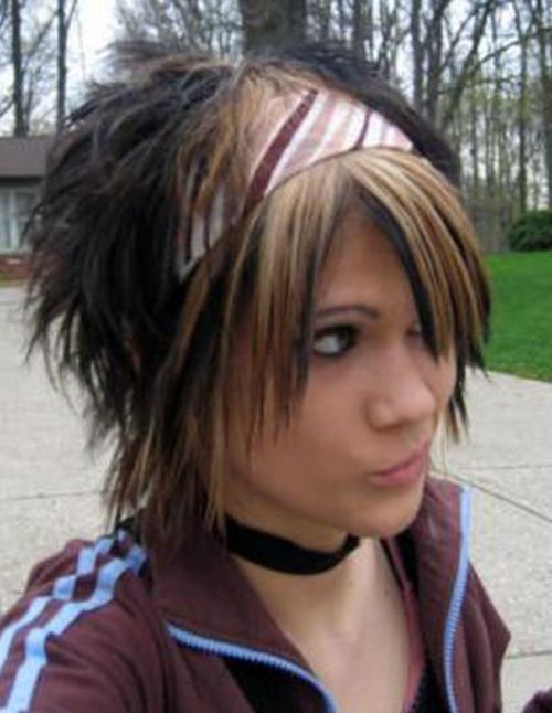35 Deeply Emotional and Creative Emo Hairstyles For Girls