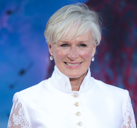 Glenn Close short grey hairstyle