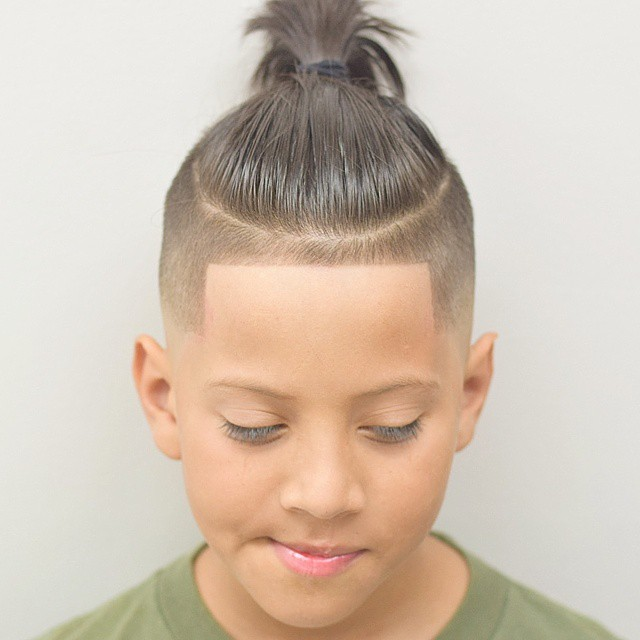 Line Up Undercut With Long Hair On Top